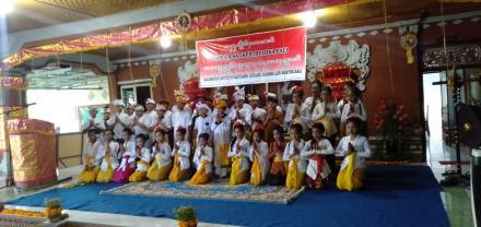 Lomba Mabusana Adat Bali Lan Nyurat Aksara Bali